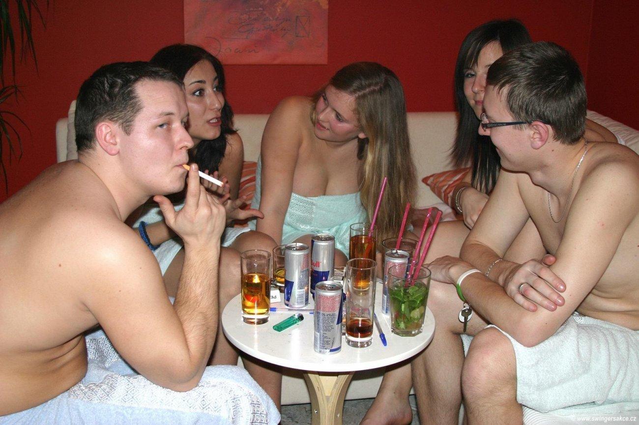 Чешская секс вечеринка 19 фотография