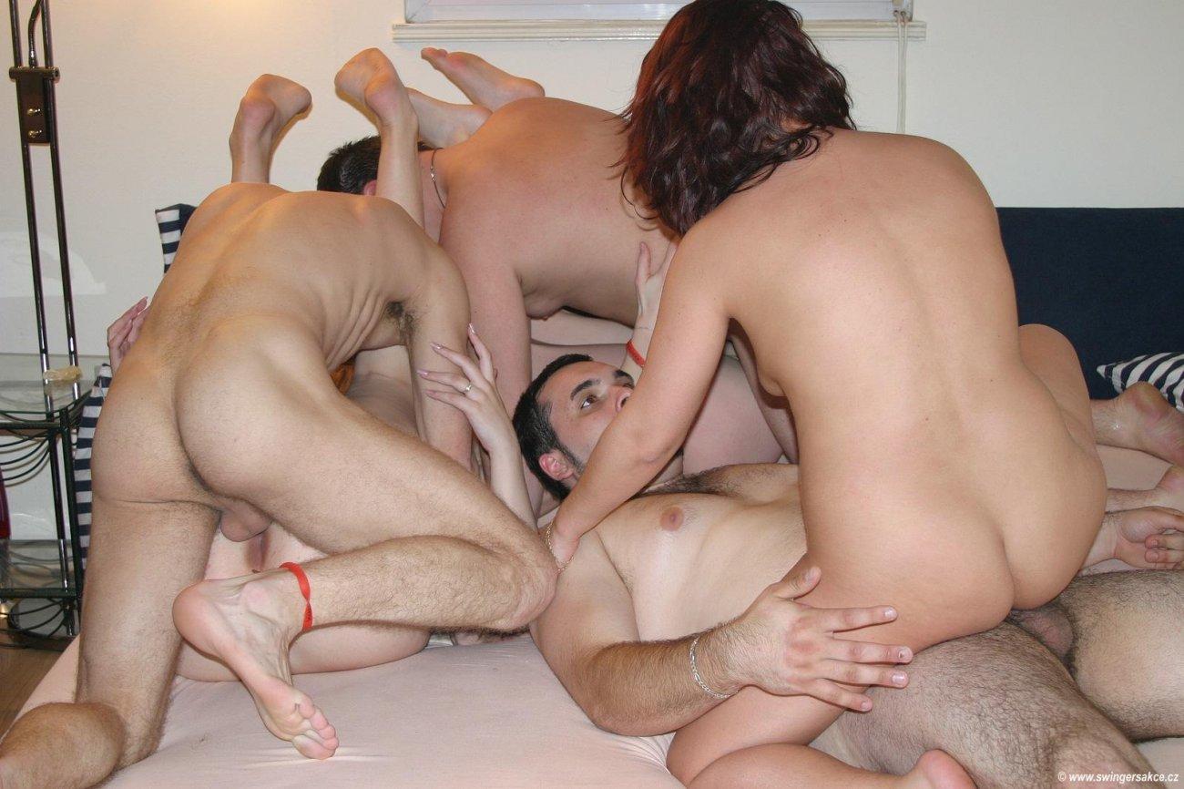 Смотреть порно фото свингеров жены, Свингеры фото обмена женами и партнерами для секса 9 фотография
