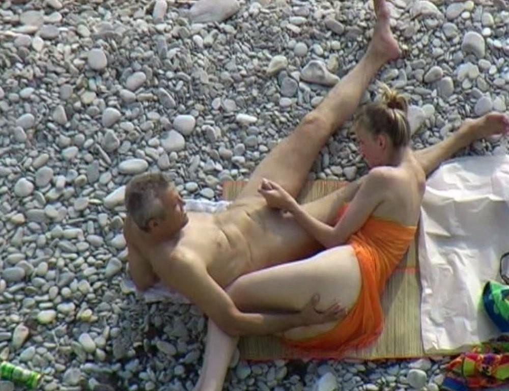 Подсмотренное на пляже порно