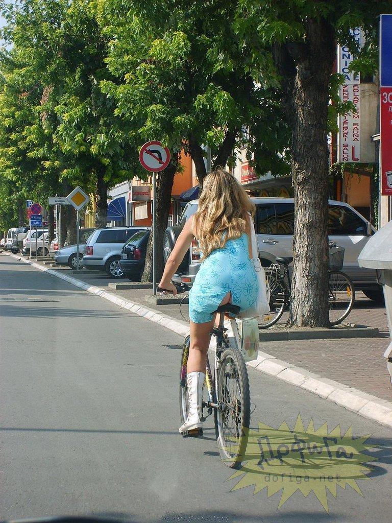 Случайно подсмотренное у девочек под юбками ФОТО  18