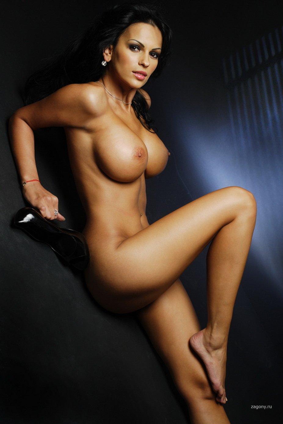 Все голые телочки с кипятись!!!