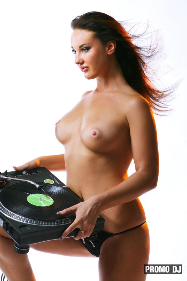 боты сексуальная девушка голая во весь рост Браво, это просто