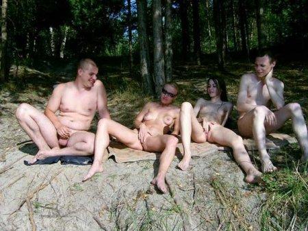 семейные фото голых жен на природе
