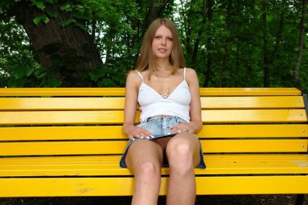 Бесстыжие девчонки — что у вас под юбкой? (ФОТО)