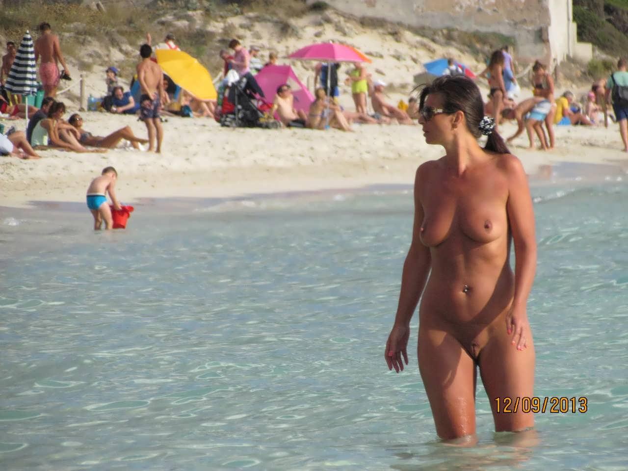 Жду развлечения на нудистском пляже ошибаетесь