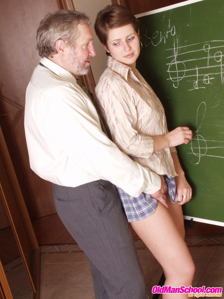 Русский секс с 18летней студенткой смотреть онлайн порно