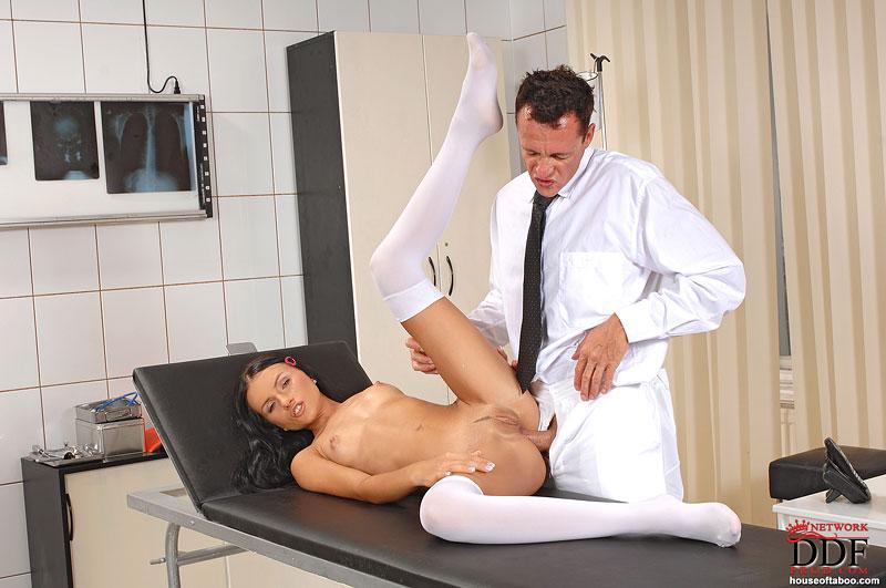 Смотреть бесплатно в картинках на приеме гинеколога фото 787-772