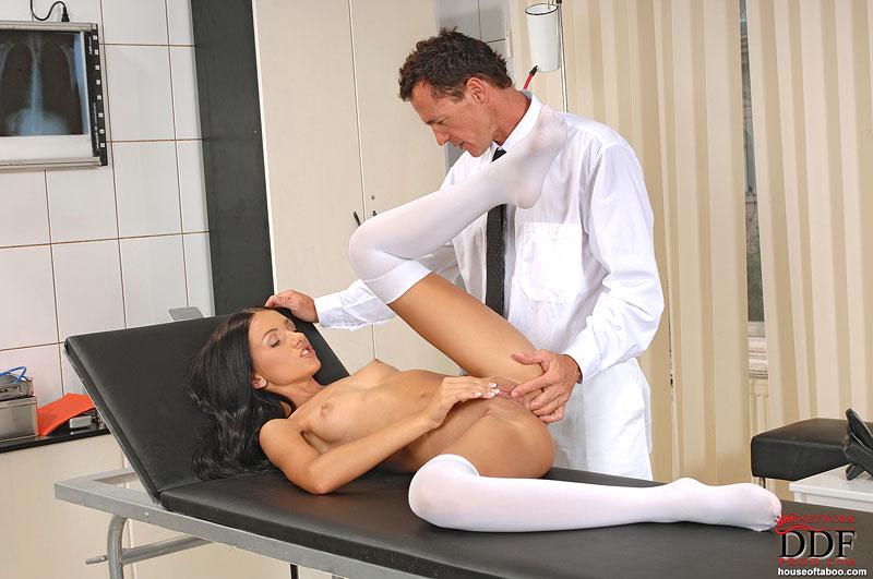 Сорочки женщина на приеме у гинеколога секс