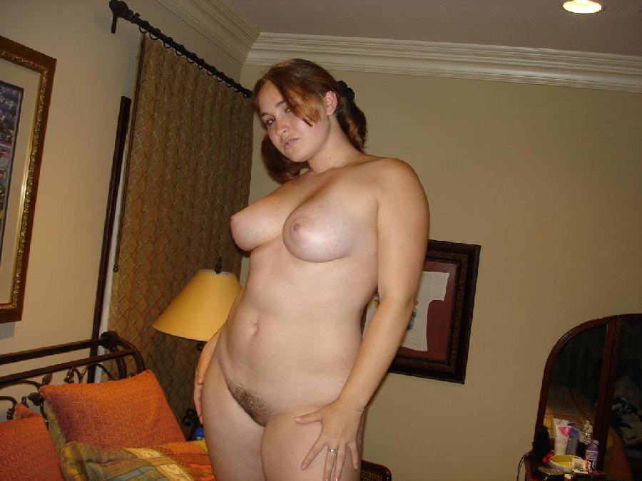 Молодые полные голые девушки фото