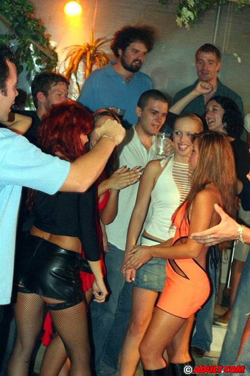 Пьяный секс с блядями порно видео фото
