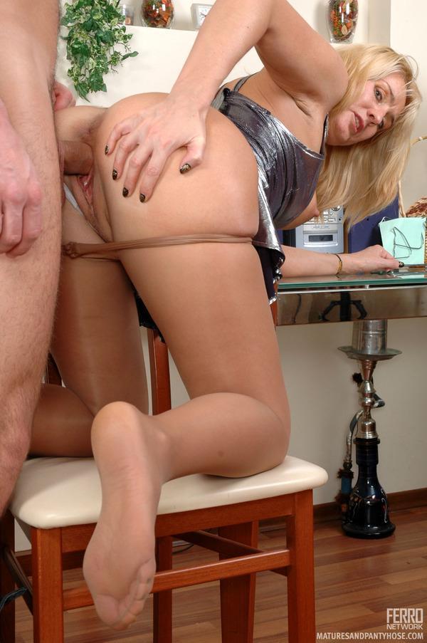 секс с тетей в колготки