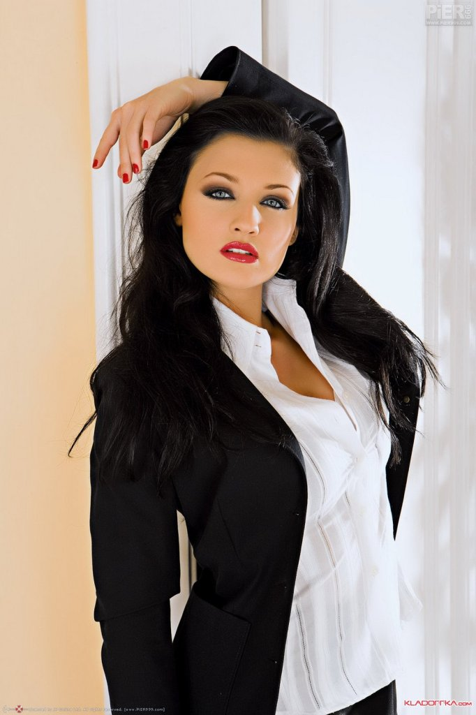 Секретарши порно 2012