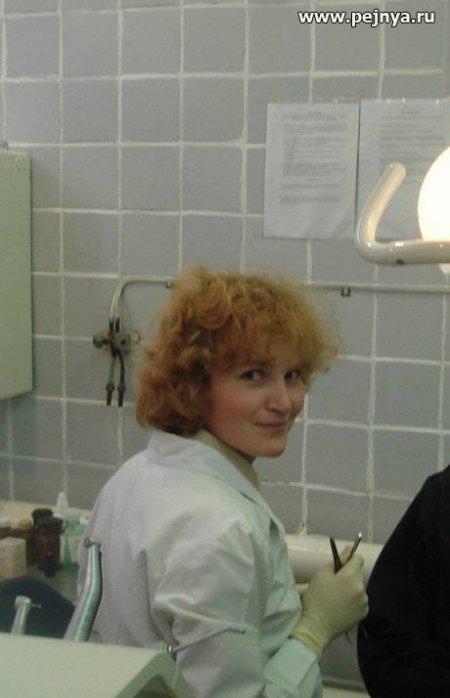 Замужняя медсестра сосет член любовника на работе (ФОТО)
