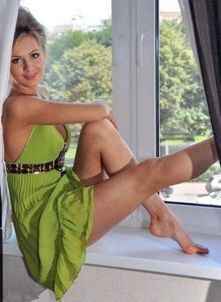 Мария Кожевникова. порно со звездами. засвет сосков груди. под юбкой. русск