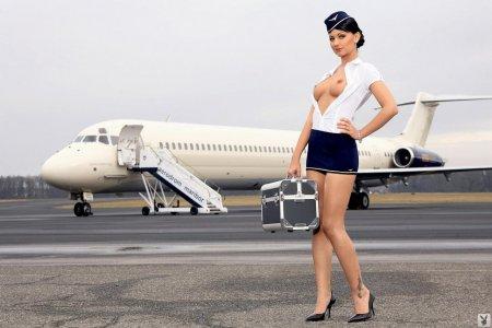 Стюардесса для пассажиров первого класса (ФОТО)