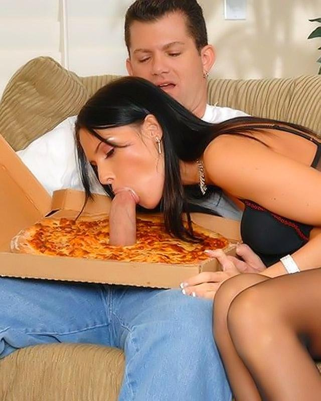 Член в пицце порно фото