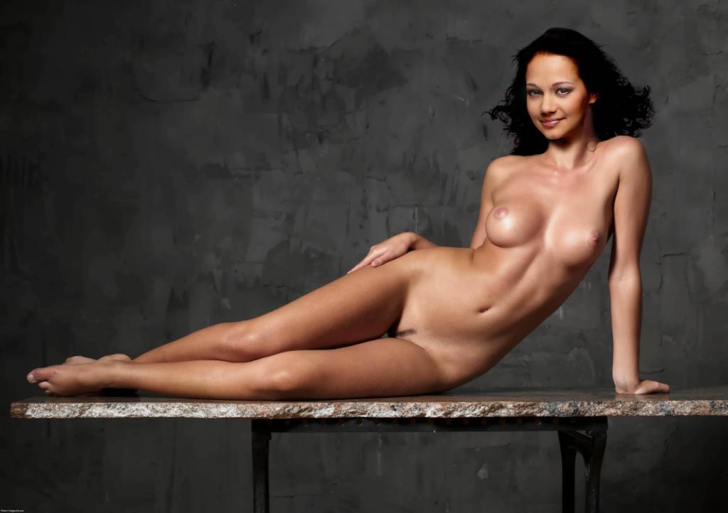Фото голых тел ведущих