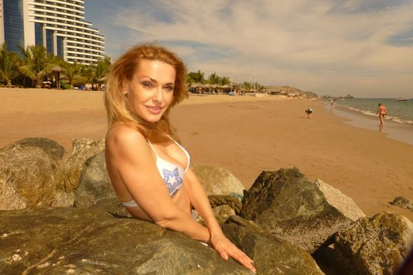 Актриса Ольга Сумская на пляже (ФОТО) | Журнал эротики и ...: http://paprikolu.com/1373-aktrisa-olga-sumskaya-na-plyazhe-foto.html