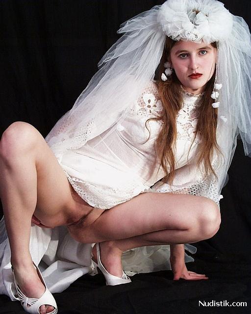 Невесты без трусов порно фото