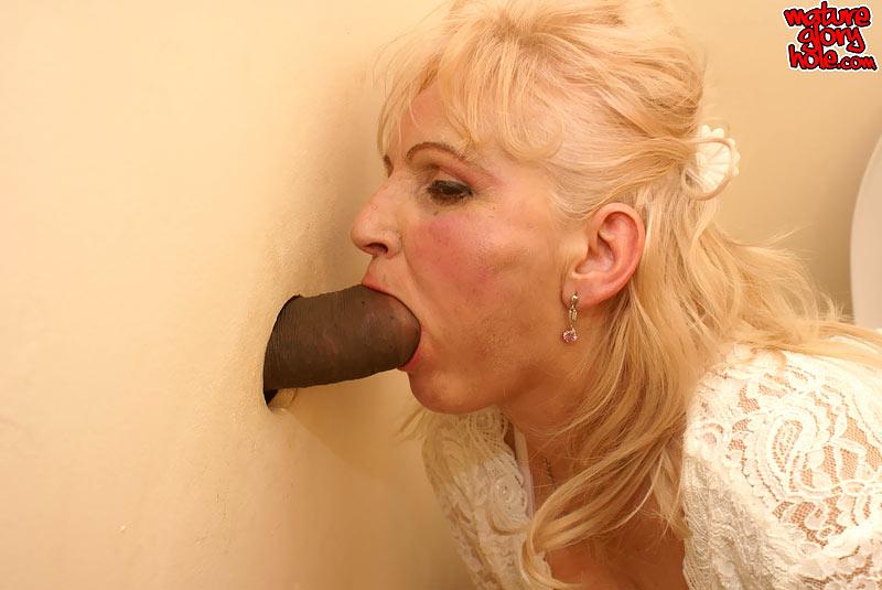 Dolly Taetowierte Pisse Ficksahne