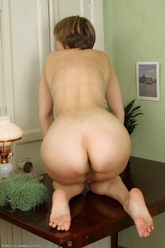 Широкие бедра у женщин голых видео [найдено более 1000