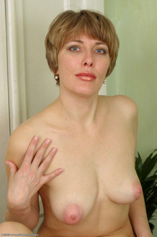 Красивые мохнатки у порнозвезд — img 10