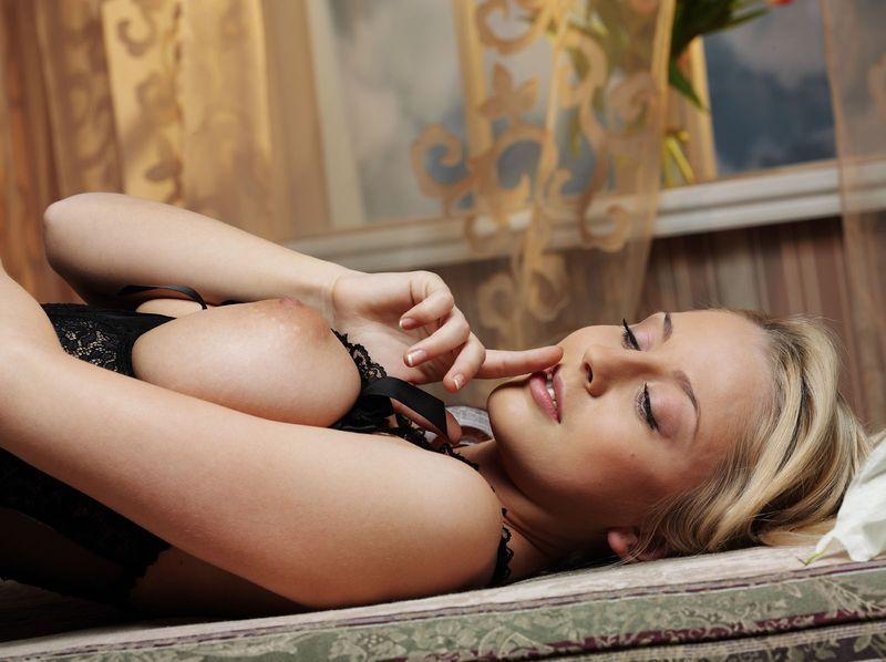 считаю, что соблазн засадить блондинке в попу трудно сказать. Супер статья!