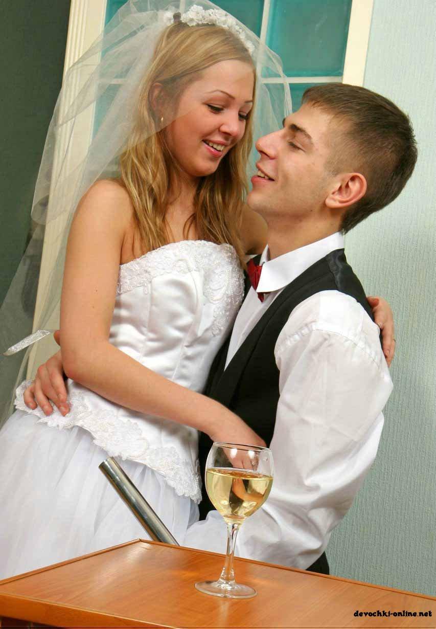 Порно невесту трахал на свадьбе секс