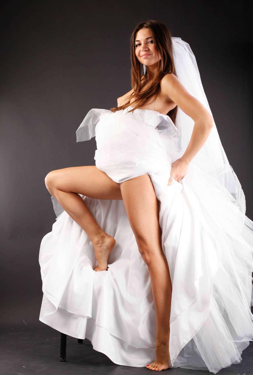 Рыжая невеста трахается 23 фотография