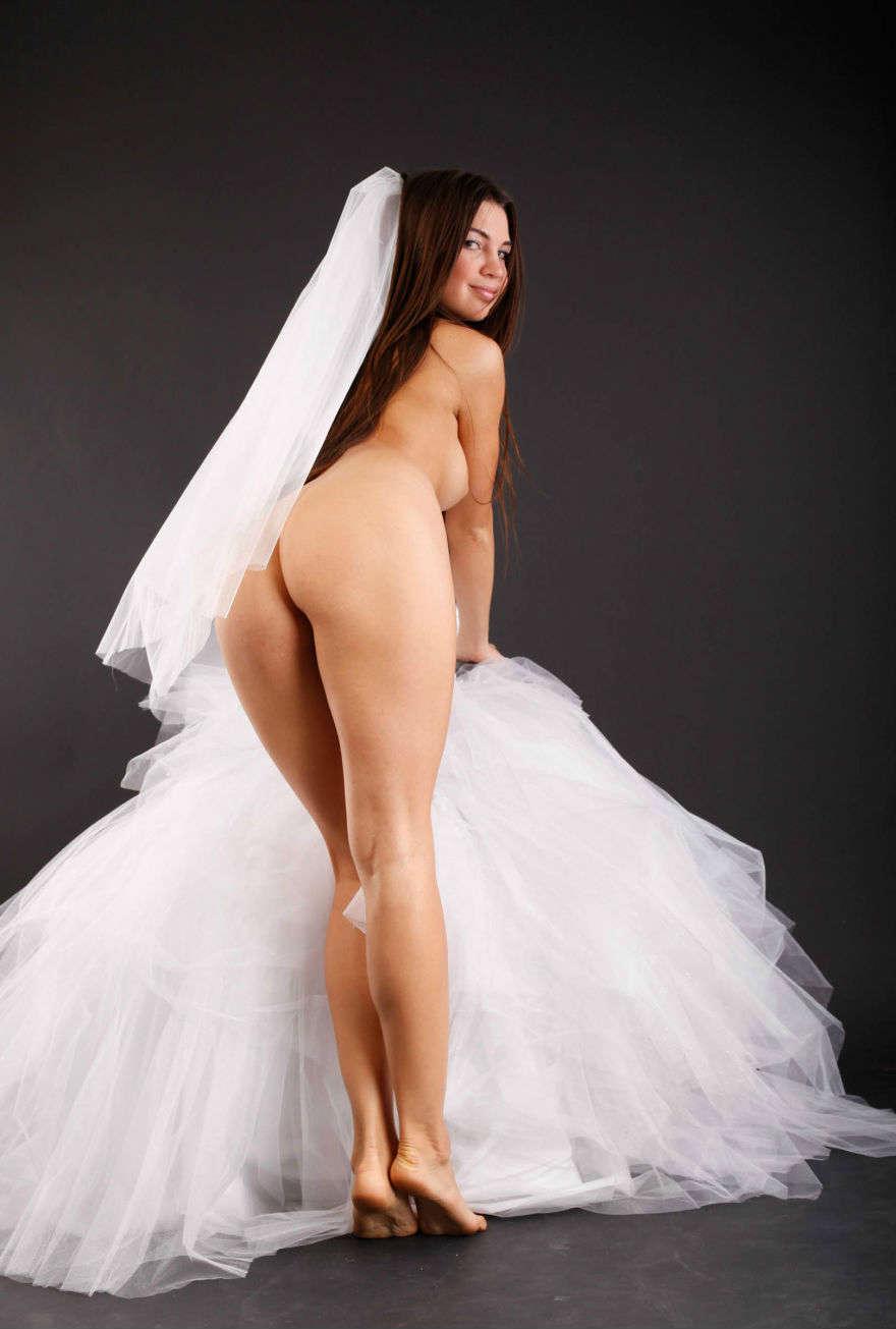 Секс с девушкой в свадебном плат