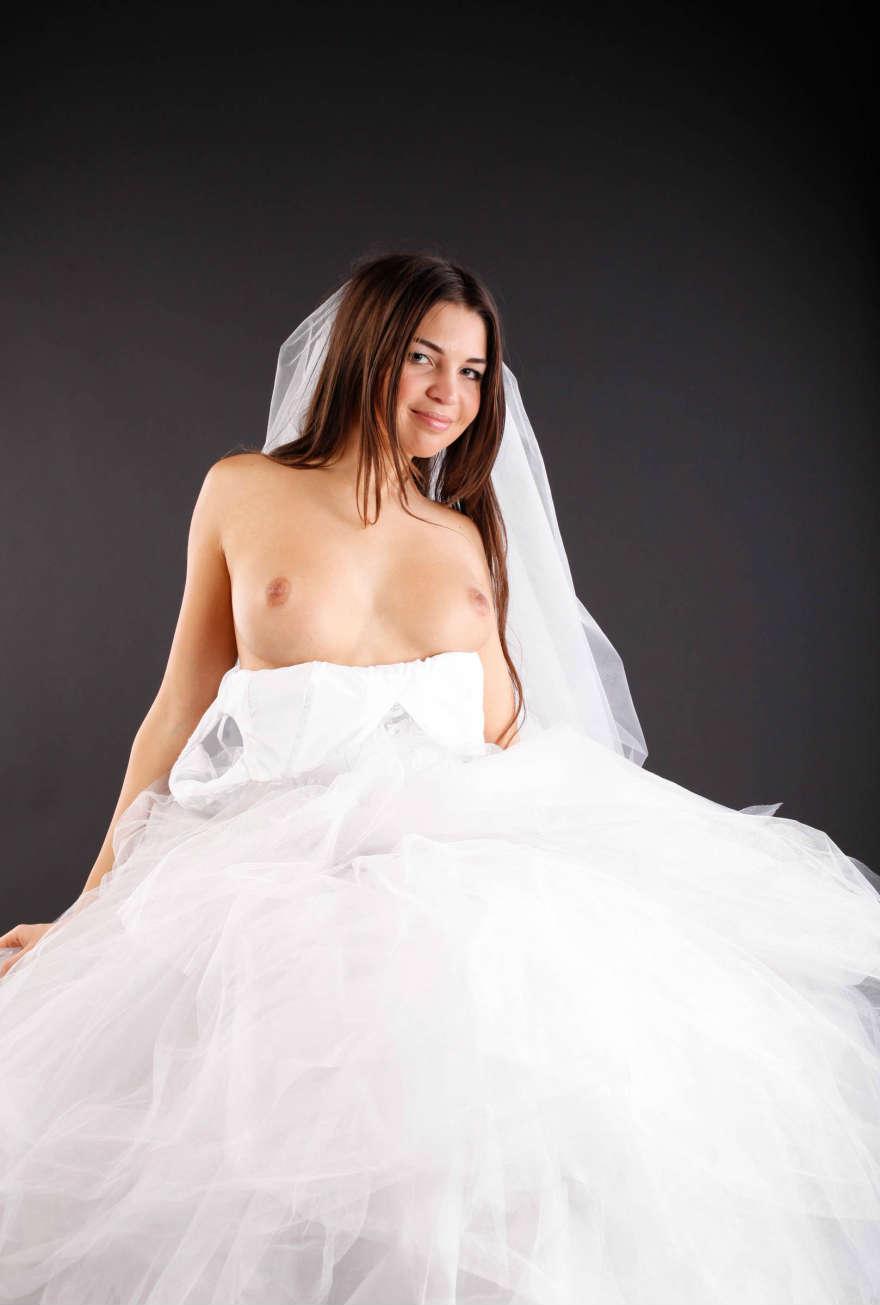 Рыжая невеста трахается 14 фотография