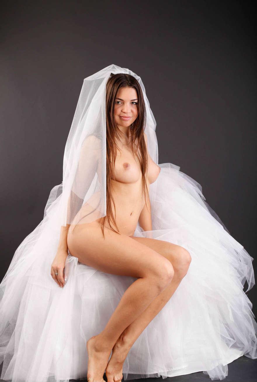 Рыжая невеста трахается 2 фотография