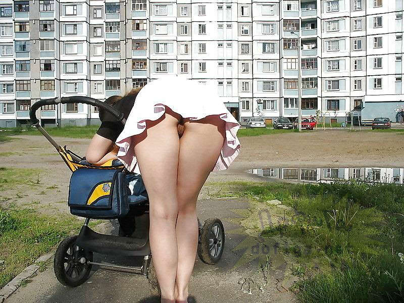 Фото голая с коляской 10 фотография
