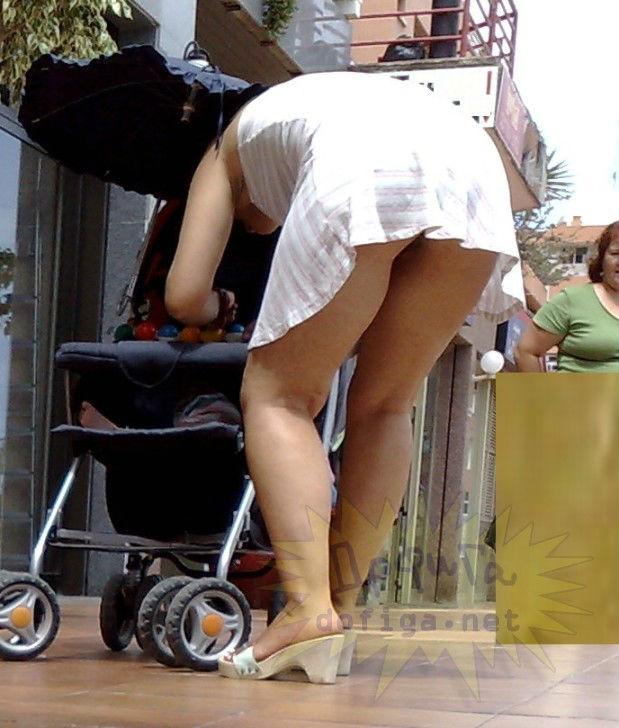 Фото голая с коляской 6 фотография