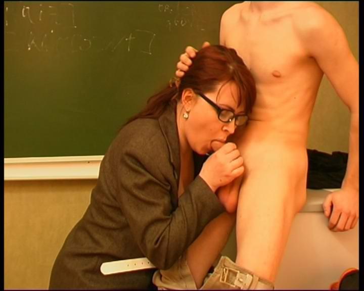 Секс кунилингус учительнице 19 фотография