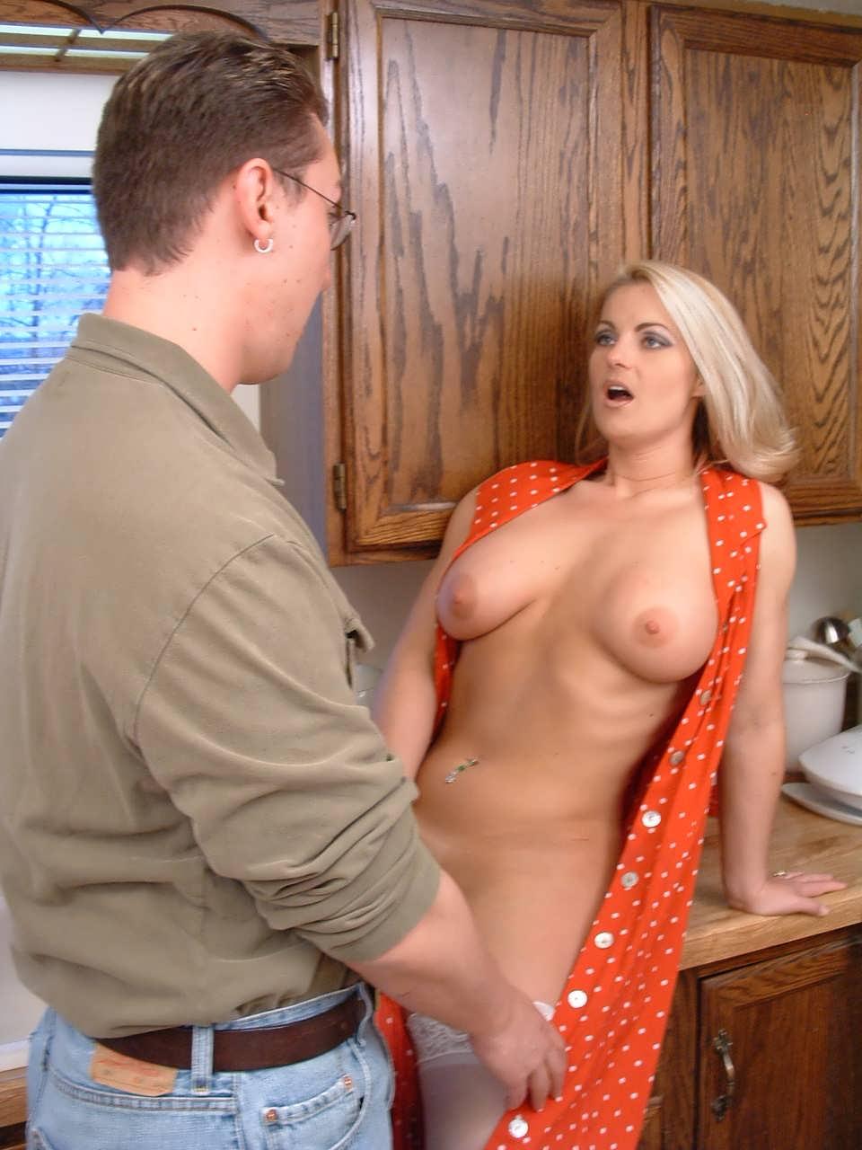 Трахают молодую красивую тетю любительское порно домашние