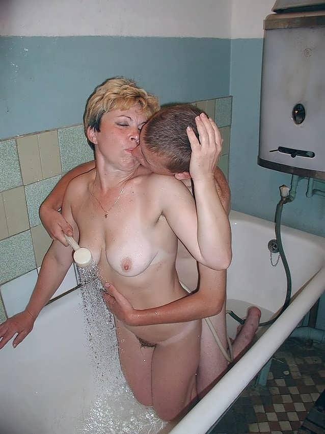 Секс с бабушкой в ване фото 695-115