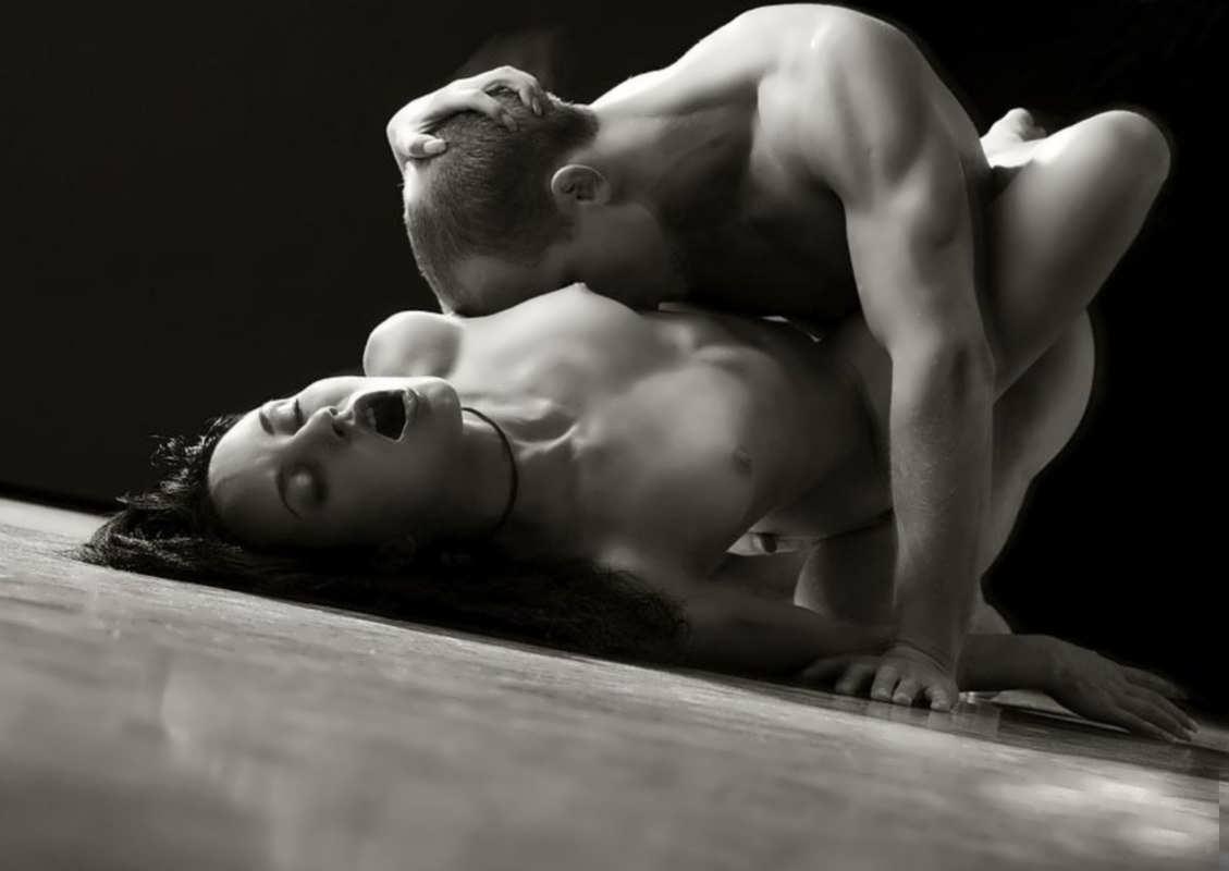 Традиционный секс в постели 16 фотография