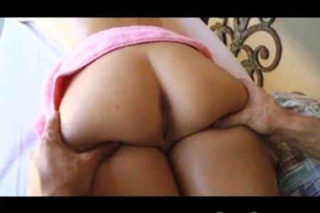 Спец по интимному массажу в ударе (ВИДЕО)