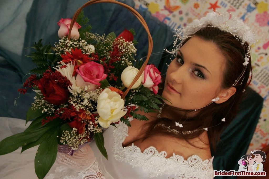 Видео анального секса невесты в первую брачную ночь
