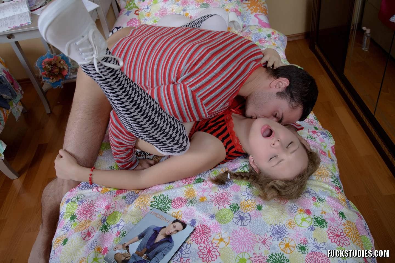 Трахать русских девочек, Порно молодых девушек, студенток, смотретьвидео 10 фотография