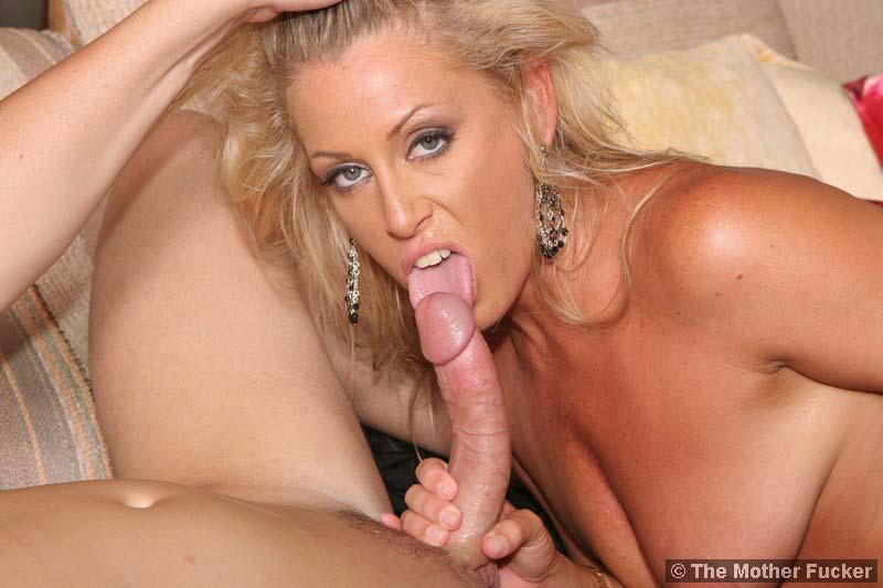 Порно фото мамаши блондинки