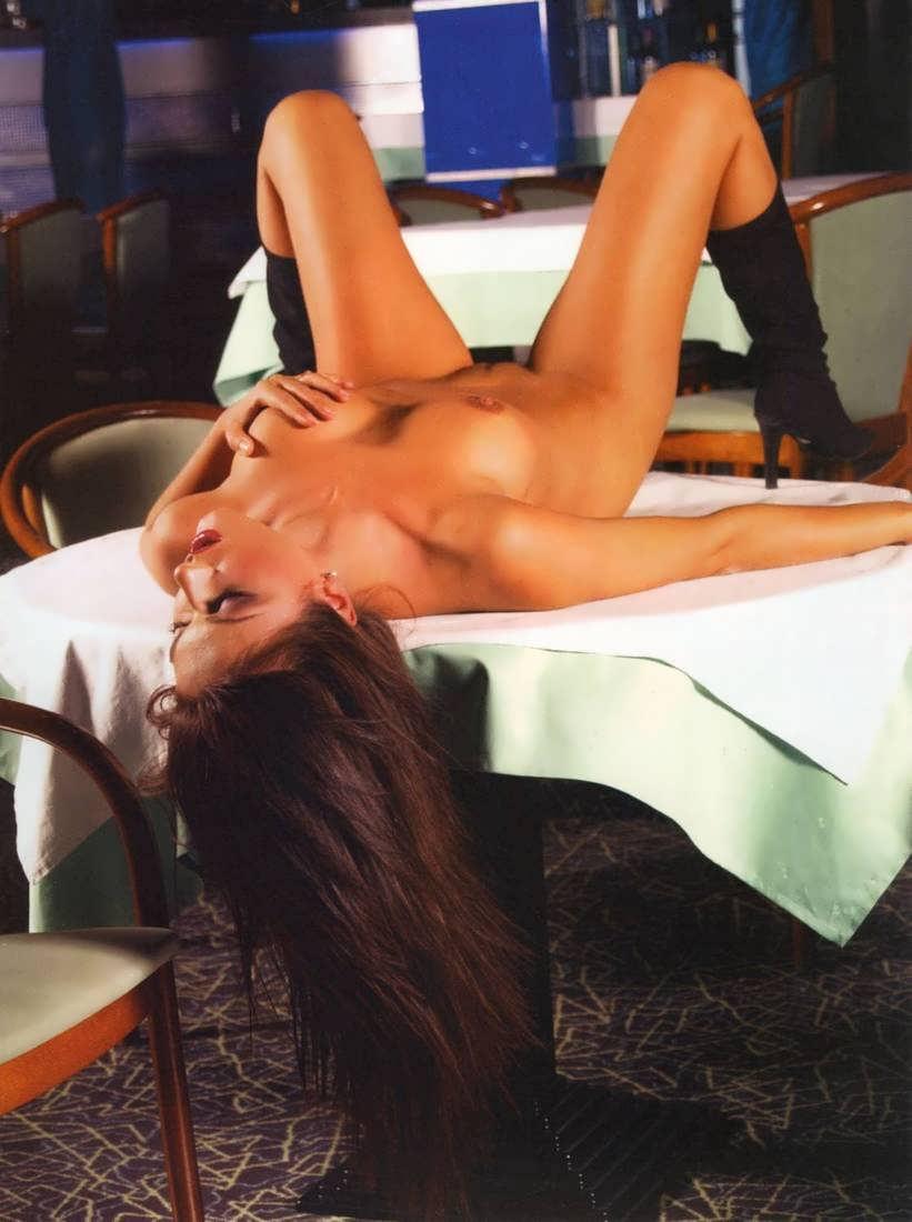 Эротические скриншоты на знаменитостей 23 фотография