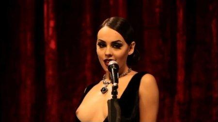 Синее платье от Nikita - запрещенное видео