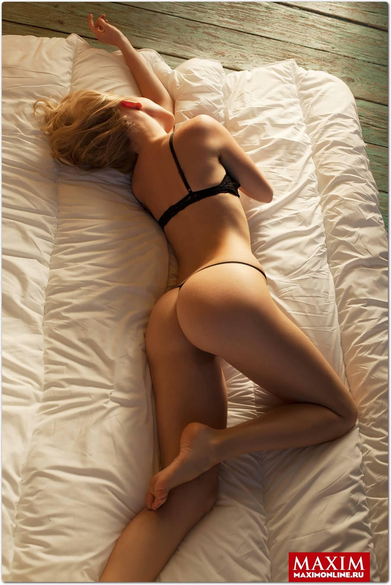 Фото красивых девушек интим в постеле 5 фотография