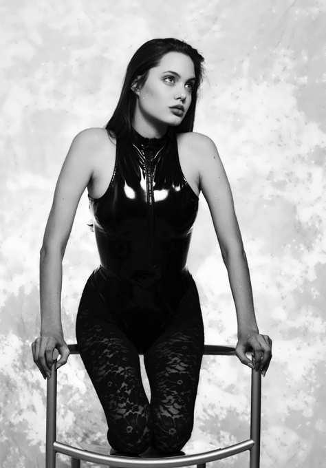 Angelina Jolie в откровенной порносцене ВИДЕО