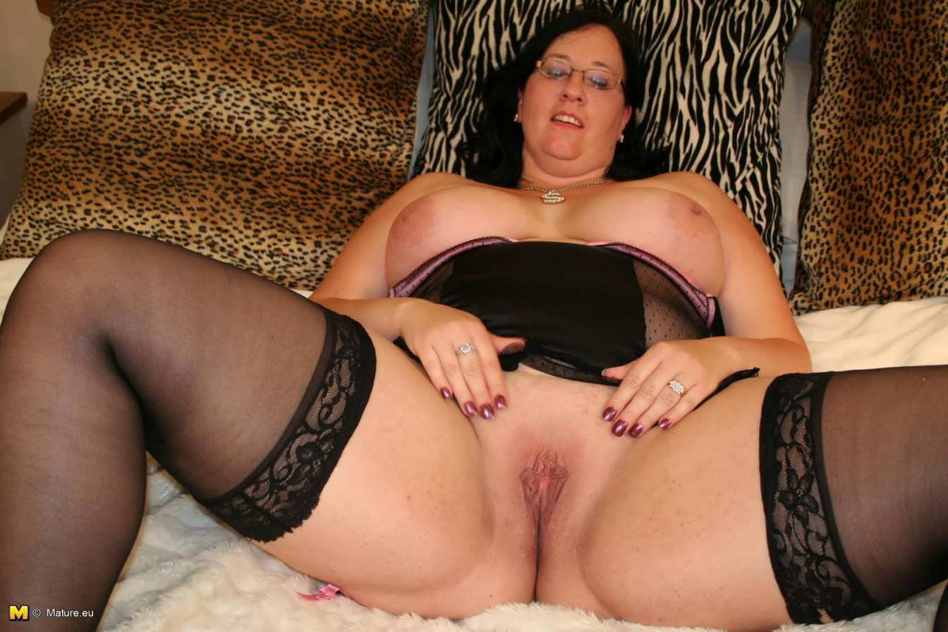 Смотреть бесплатно порно в чулках толстушки 9 фотография