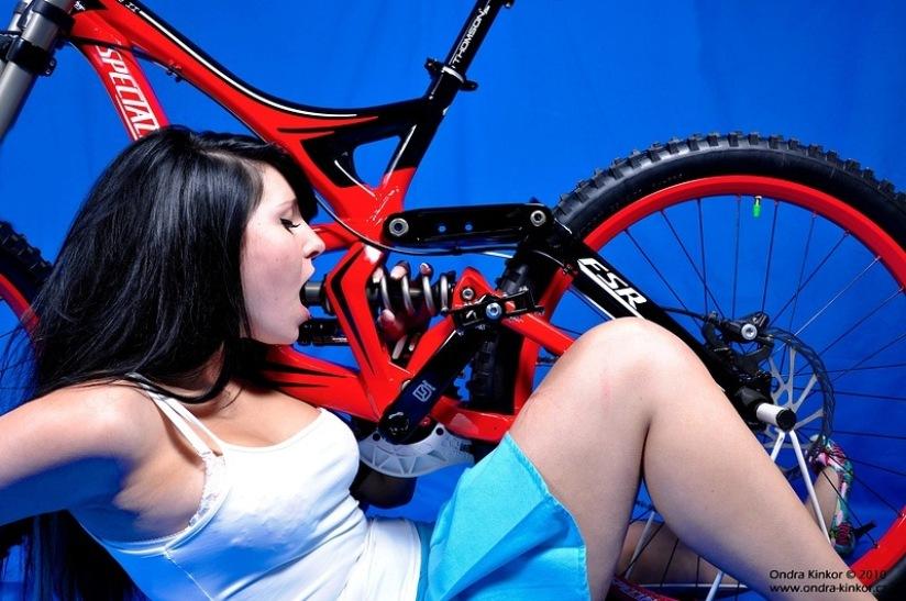 Видео где на велосипеде приделан фаллос — photo 3