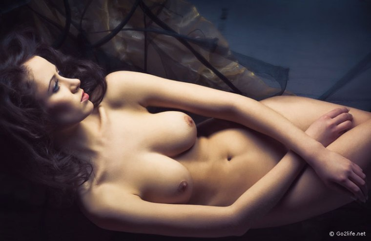 Художественные женское обнаженное тело