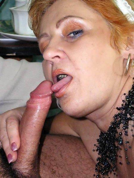 Старая нянечка учит сексу молодого (ФОТО)